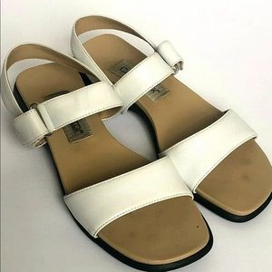 Cabin Creek White Leather Open Toe Sandals